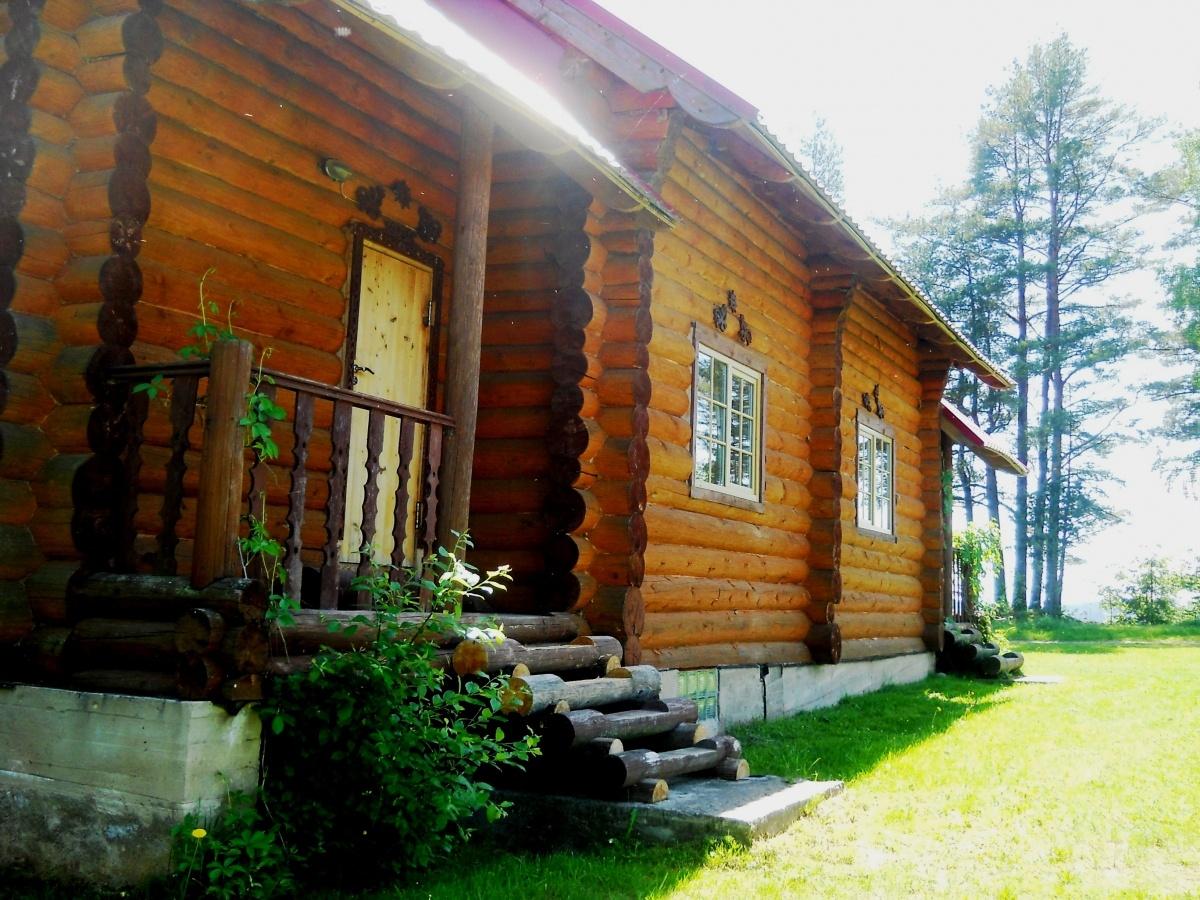 База отдыха «Константинова Усадьба» Новгородская область 2-местный номер в бревенчатом доме, фото 1