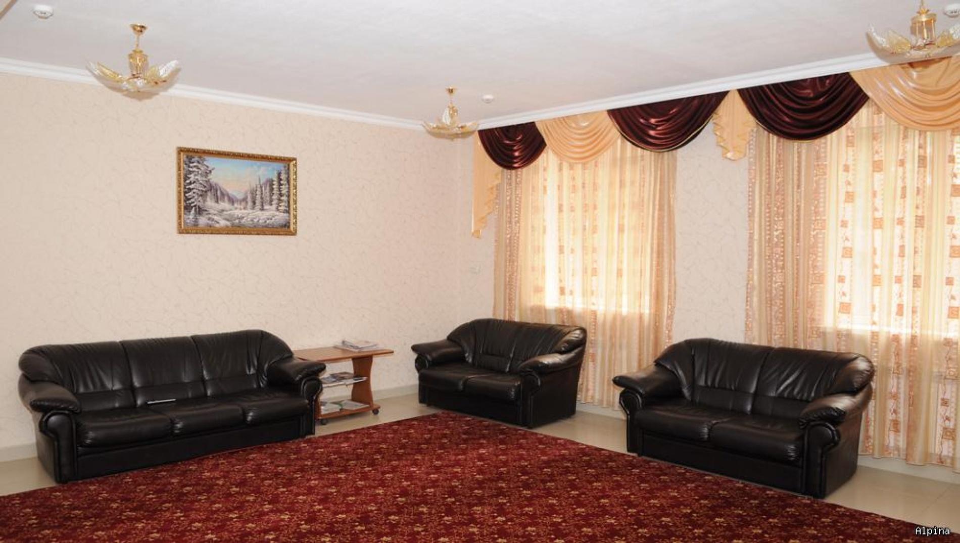 """Парк-отель """"Alpina"""" Кабардино-Балкарская Республика Номер Люкс 3-х комнатный, фото 4"""