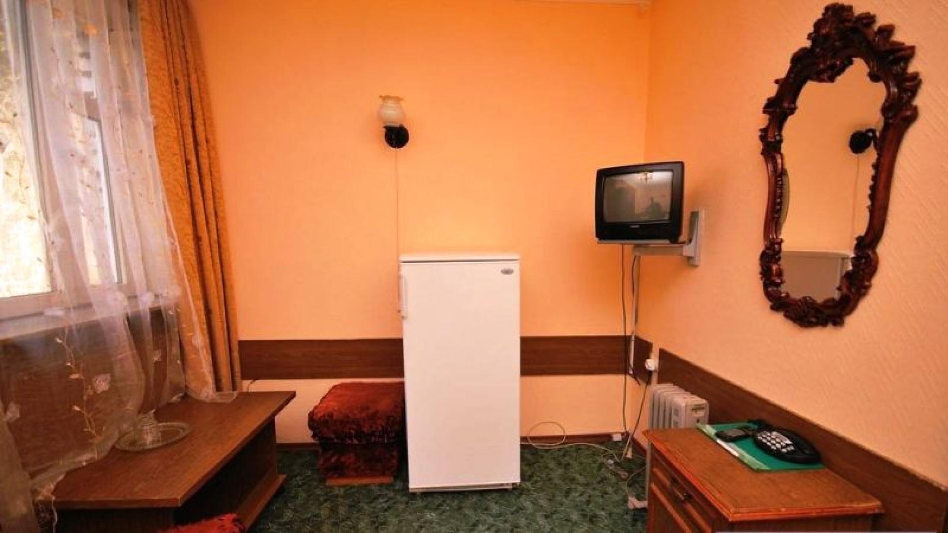 """Гостиница """"Снежинка"""" Карачаево-Черкесская Республика BDR (bedroom) 2-местный 2-комнатный Корпус 2, фото 2"""