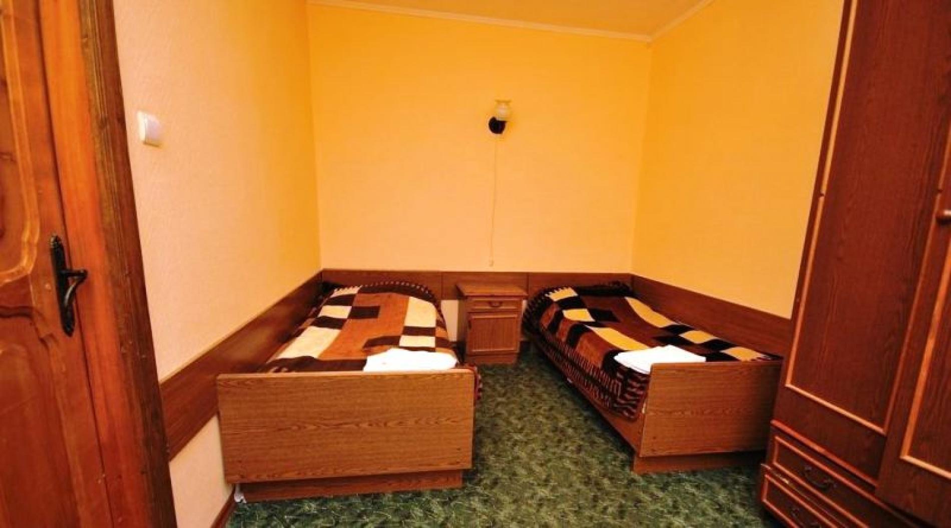 """Гостиница """"Снежинка"""" Карачаево-Черкесская Республика BDR (bedroom) 2-местный 2-комнатный Корпус 2, фото 1"""