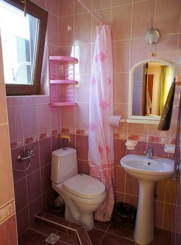 Гостевой дом «Бирюза» Республика Крым Двухместная комната 3-й этаж (с доп.местом), фото 3