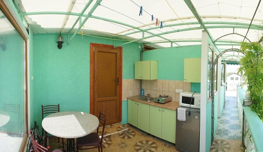 Гостевой дом «Бирюза» Республика Крым Двухместная комната 3-й этаж (с доп.местом), фото 2